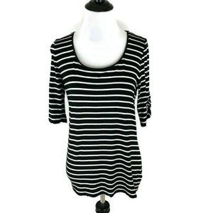 White House Black Market T-Shirt Fitted Striped